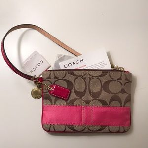 NWT Pink Coach Wristlet - Signature Collection